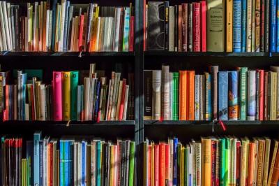 books-1204029_1920