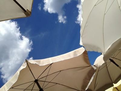 parasol-431532_1920