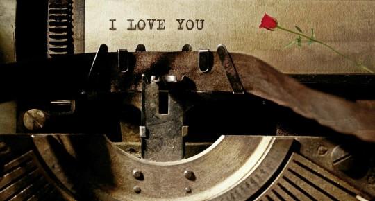 typewriter-1062697_1280